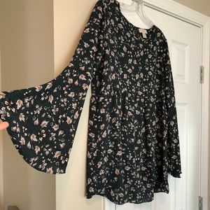Tunic bell sleeve top!